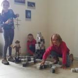 Děti se naučily stavět hrad Henryštejn i vést loutku Zlatokopa Henryho